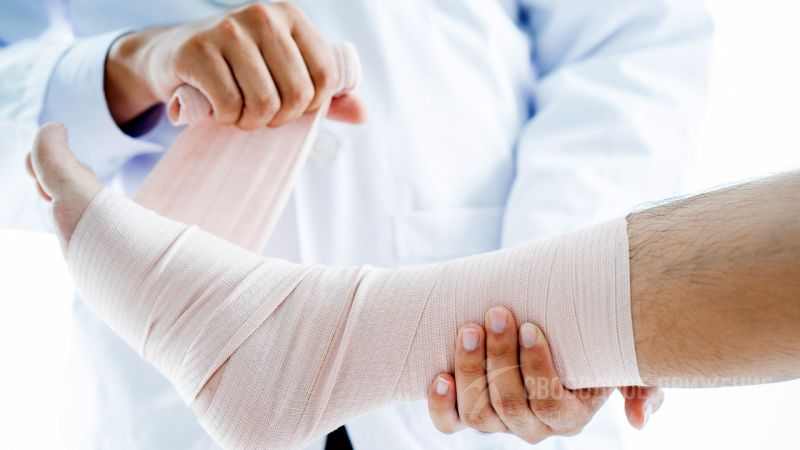 Причины боли и отека голеностопного сустава
