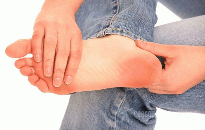 Покалывание в правой ноге и руке